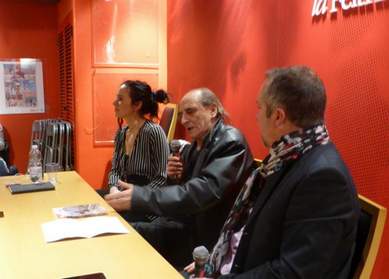1_Franco-Cadenasso-presentazione-La-visita-presso-Feltrinelli-Genova-2-web